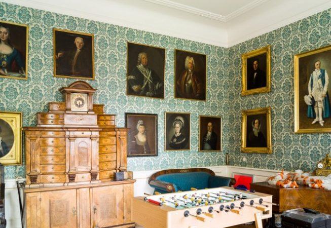 Interiors, 2011